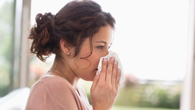 gty flu blowing nose mi 121120 wg